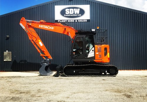 The Beauty has finally arrived! Hitachi ZX135US-6!!